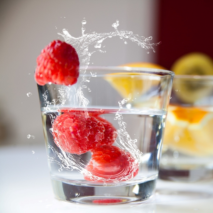 waterglas with fruit